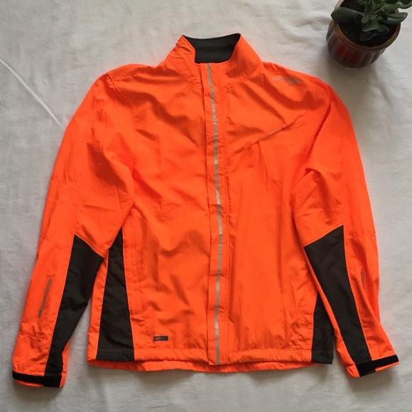 ad042a63 Saucony LED Lights Runner Jacket, Men's Size S