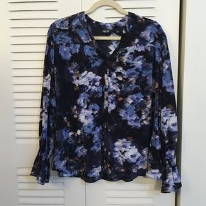 NWOT Vera Wang blue abstract flower blouse