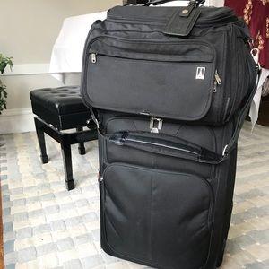 Travelpro Platinum5 flight crew CarryOn Tote Black