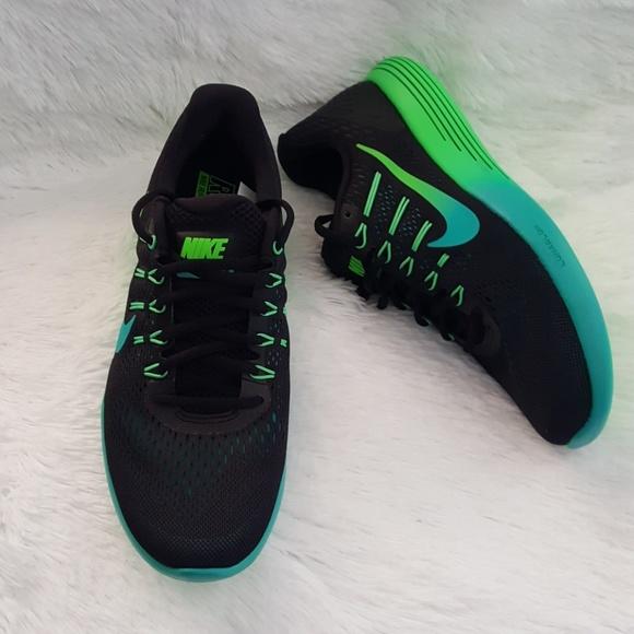 02c3b4fbb3d8 Nike Wmns Lunarglide 8 Running Womens. M 5a2af98413302aab1803b1e2