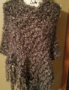 ((Sold))Simply Noelle poncho/ shaw so soft gray .