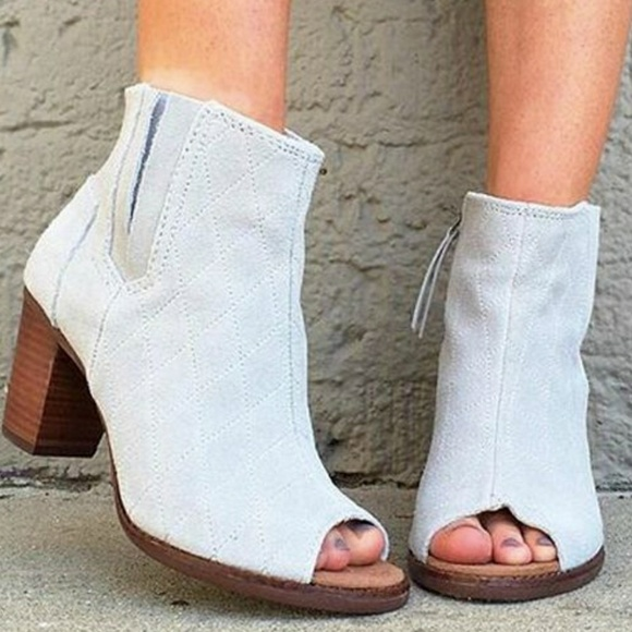 d4d600ce720 TOMS Majorca Quilted Suede Peep Toe Bootie. M 5a2afeb513302aefc303cb37