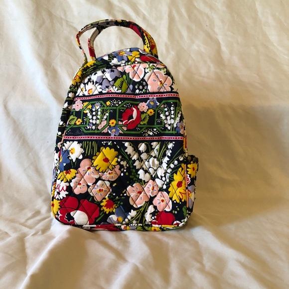 41348b550ad8 Vera Bradley Poppy Fields lunch bag new. M 5a2b074299086a2f5303dbeb. Other  Bags ...