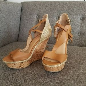 Brand New Just Fab tan w/Good accent wedge 9