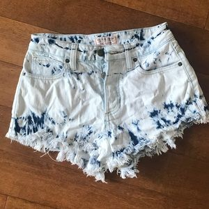 Guess high-waisted acid washed jean short