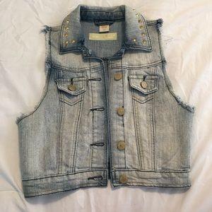 nwot • studded jean vest