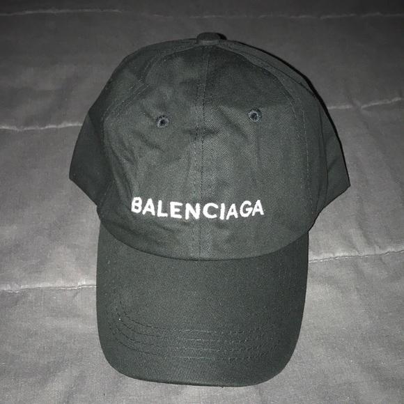 754ffa90232 Balenciaga Hat. M 5a2b1121bf6df517fb03fe4f