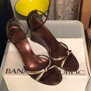 Banana Republic Heels/Wedges Size 10