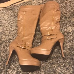 Knee high boot SZ 9