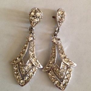 Jewelry - ❤ Deco-like Silver-color and Rhinestone Earrings