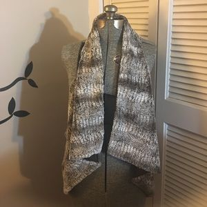 Karen Kane faux fur open drape vest wide armholes