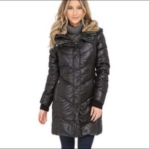 3/4 black puffer coat w/ faux fur collar