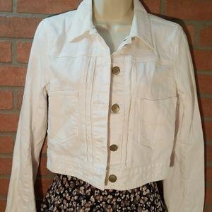 Gap women Size SP White Jean Jacket 💗super cute🎉