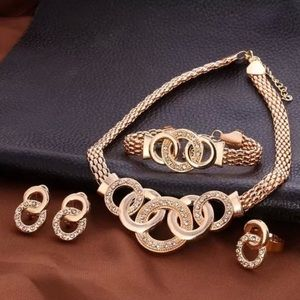 Jewelry - 💕Fashion Jewelry Set