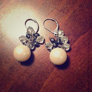 Express Pearl earrings