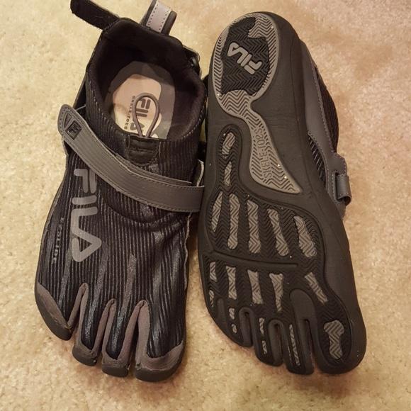 populärt varumärke köpa billigt stor rea Fila Shoes   Toe Sneakers For Men   Poshmark