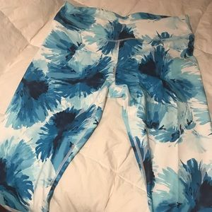 EUC Fabletics medium crop