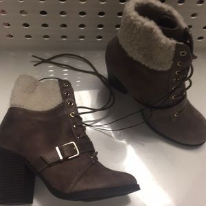 Cute booties from express never worn