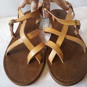 Mossimo Women's Lavinia Flat Thong Sandals Tan