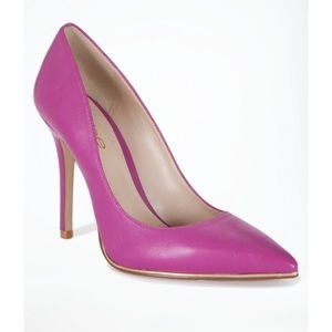 Bebe point toe pump