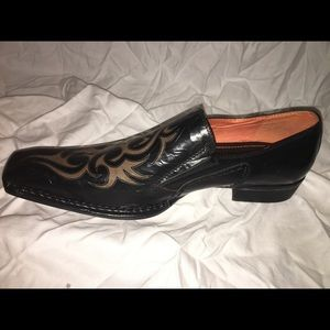 NEW Men's Robert Wayne dress shoe