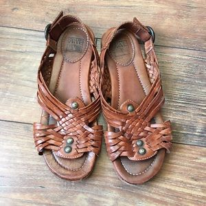Adorable Frye brown leather sandals size 7