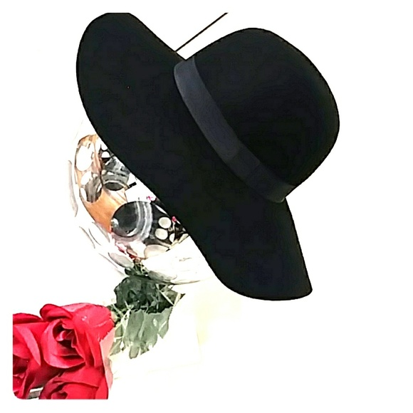 f7c5fc19bc3 Accessories - NWT WOMENS BLACK HAT SIZE M L