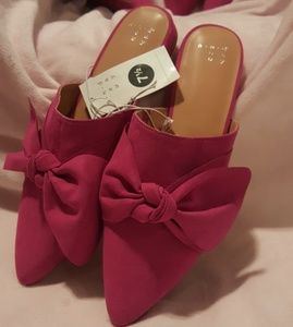 Rhea Rose Pink Mules with a bow! Flat sandals