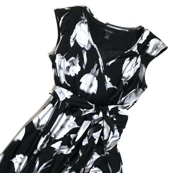 88b111232d White House Black Market Flounce Floral Wrap Dress.  M 5a2bdf2399086a9390000874