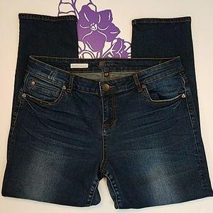 Kut from the Kloth Catherine boyfriend jeans  0141