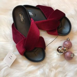 NWT Urban Outfitters Red Velvet Knot Slides
