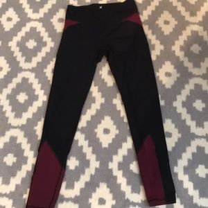 EXPRESS HIGH RISE LEGGINGS SIZE SMALL