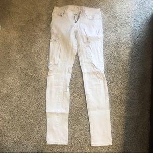 White destructed skinny jeans