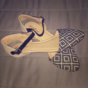 BRAND NEW Black & White Lucky Brand Sandal
