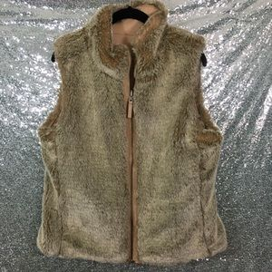 GAP Reversible Faux Fur Vest Medium
