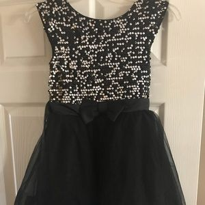 Girls Sparkly holiday dress