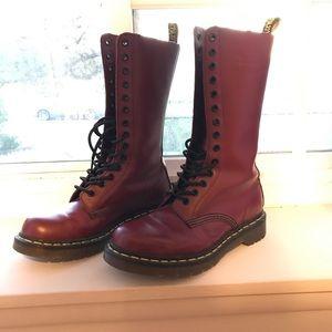 Dr Martens 1914 cherry boot