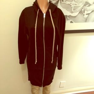 AWESOME long & cozy hooded sweatshirt