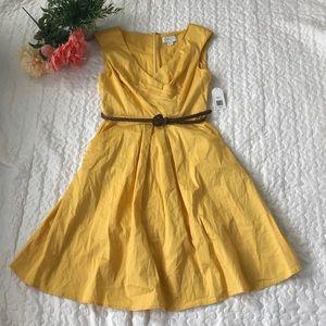💛 JESSICA SIMPSON belted v-neck FIT & FLARE dress