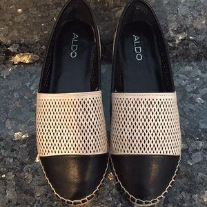 NWOT Aldo Size 10 Leather Flats!