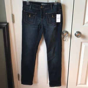 Rue 21 jeans.
