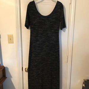 "Black ""heathered"" quarter sleeve maxi dress"