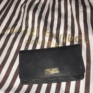 Black henri bendel wallet