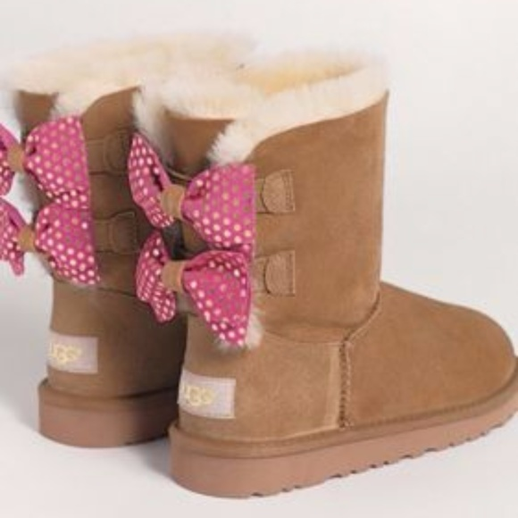 classic shoes ever popular factory price NIB GIRLS UGGS SIZE 2 BROWN GLITTER BOWS NWT