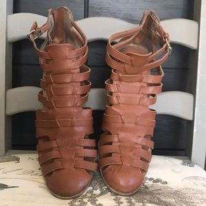 EUC brown sandals