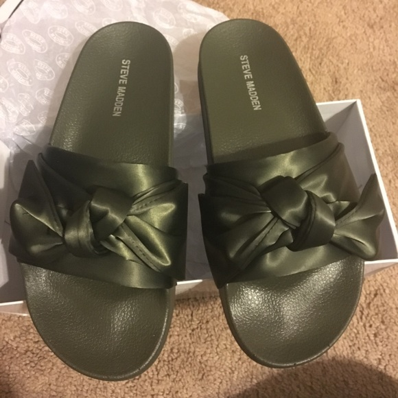 new style a2b25 8c8e4 Olive Green Silky Bow Steve Madden Slide Sandals NWT