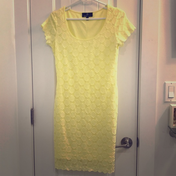 Ronni Nicole Dresses & Skirts - Yellow sun dress
