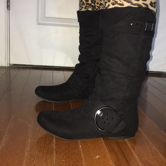 e8ba9f53ab5 Womens Size 6 Black boots