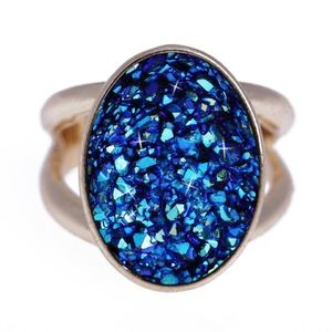 Jewelry - 18K Gold Oval Blue Druzy Crystal Statement Ring