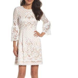 Gorgeous Eliza J bell sleeve dress